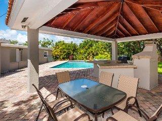 Villa Mare: Stylish 4BR w/ Private Pool  – Near Beach & Aventura Mall