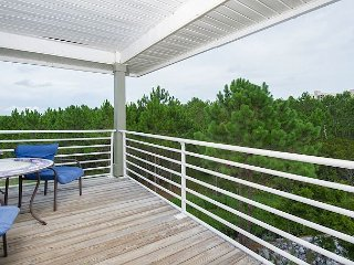 Beachy 3BR Condo at Romar Lakes w/ Pool & Private Gulf Access