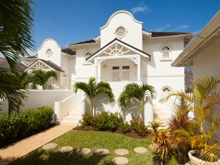 Sugar Hill Villa, Coconut Ridge 5 - Ideal for Couples and Families, Beautiful