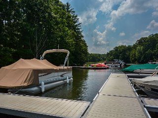 Easy lake access & great outdoor space!