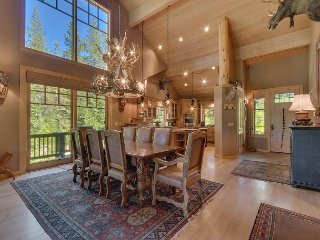 Trails End - Luxury 4 BR in Squaw Valley - Sleeps 10 and Hot Tub Too!