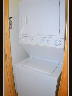 washer & dryer / main level
