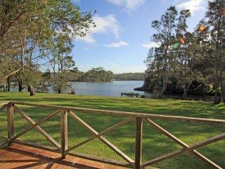 Berrara Lagoon Front Chalet