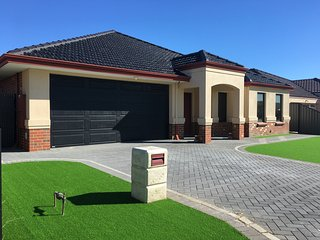 JAS House PERTH Family Home in THORNLIE