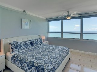 Cute oceanfront condo w/ shared pool and other resort amenities