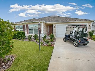 Golf Cart. 2 Bed Ranch Home in a great location in Village of Dunedin