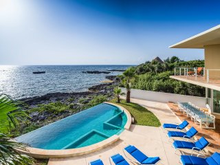 Villa Gauguin, Sleeps 14