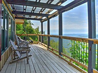 NEW! 3BR Clayton Cabin w/ Sweeping Mountain Views!