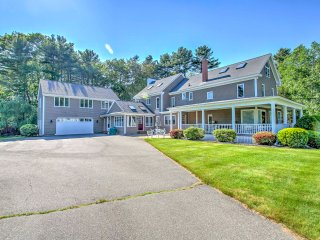 Prime Kennebunk Home w/Pool Table - Near Beach!