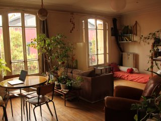 Summer in Paris ! > Room at 5' / Living with: French/English/Spanish-speakers