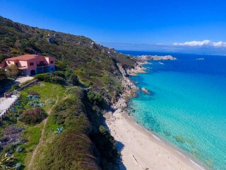VILLA RENA BIANCA 5BR-30 meters from beach by KlabHouse