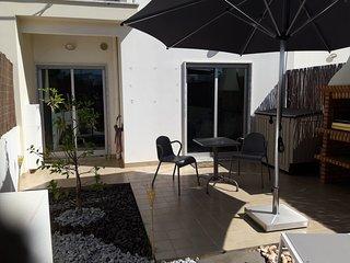 Appartement avec jardin dans le village de pêcheurs de Santa Luzia
