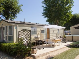 Mobile Home sleeps 6 on Holiday Marina Campsite in the French Riviera