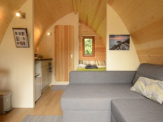 Cribinau - glamping pod with its own bathroom