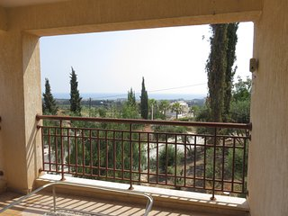 Kouklia 2-bedroom 2- bathroom apartment, swimming pool