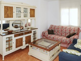 Comfortable flat w/ sea views
