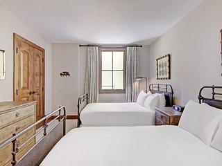 Ritz-Carlton Four Bedroom Mountain View Condo ~ RA152769