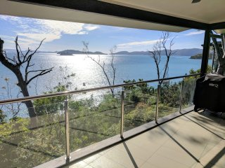Edge 2 Ocean Front 3BR + double sofa bed  UNDER NEW MANAGEMENT