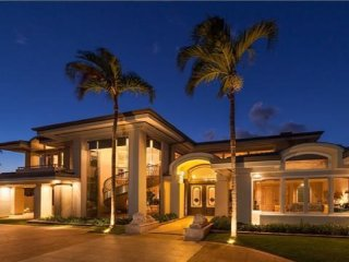 Enter the Elegant, private world of classic kahala!!