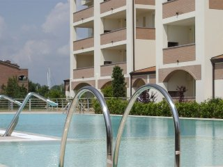 Cozy apartment very close to the centre of Lido degli Estensi with Lift, Parking