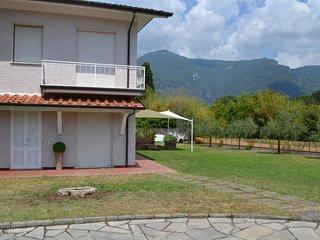 La pitorina,piscina 9x5,8 letti,2 bagni,giardino,9km dal mare vicina a tutto