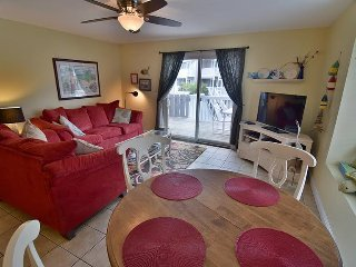 Loaded Gulf View End Unit Only 90 Steps to Beach- Pet Friendly & Lots of Extras!