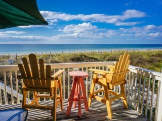 Direct Beach Front End Unit - Pet Friendly -Pools/Tennis -Beach Chairs & Extras!