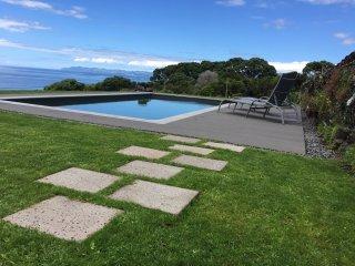 Lava home with sea view pool - Casa do Caisinho