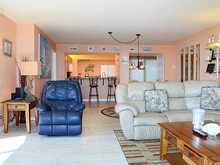 OCT & NOV SPECIALS - HORIZON CONDOMINIUM - OCEANFRONT -  2BR/2BA-#303