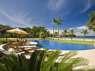 VILLA PACIFICA - High-end Modern Beach-front Resort