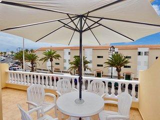 Ocean front family place in resort Puerto Santiago with WIFI