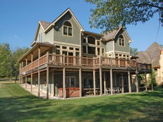 Stilwater's Edge is a vacation home above the rest! Gaze out from the back deck