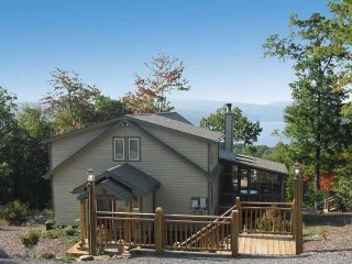 Cameron Station is a beautiful mountaintop hideaway, perfect for an escape any