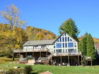 If location is key, Lake Lift Lodge unlocks all the wonder of Deep Creek Lake
