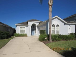 Calabay Parc 4/3 Pool Home property, fully furnished, with full kitchen, and