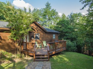 Lovely Two Bedroom Cabin in the Heart of the Smokies.