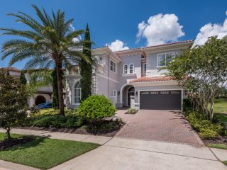 W051 - 5 Br Luxury Golf View Home With Large Pool
