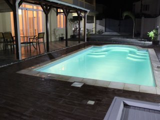 Villa w/ pool - 750m from the beach
