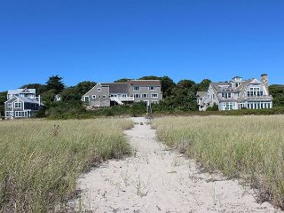 5BR East End Waterfront Home w/ Private Beach Access -1 Mile to Town