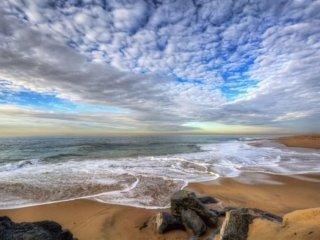 Seaside Villa Enjoy Beach Living, Family-Friendly