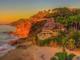 Villa Caleta - A secluded beach and jungle retreat