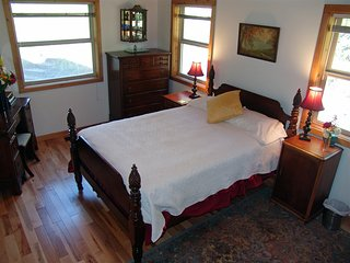 Paradise View B&B - Forest View Bedroom