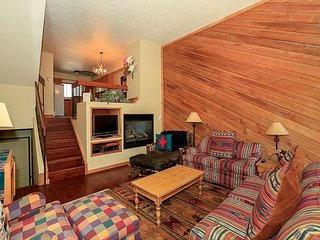 Ski-in/Ski-out!!! Townhome Right at the Base of Peak 9