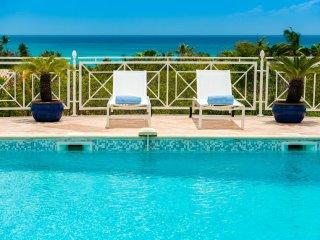 OCEANE... Spacious 4BR Villa Walk to Plum Bay Beach