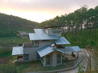 Sha Ri Loum. A homestay in Shillong