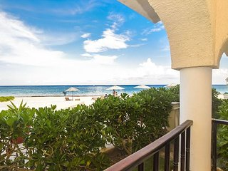 3 Bedroom groundfloor end unit oceanfront condo (XH7022)