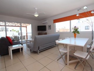 Gr8padz stunning 2 bedroom apartment. huge private terrace Central Agia Napa