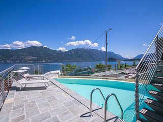 Shared swimming pool with view of the lake (3 Apartments)