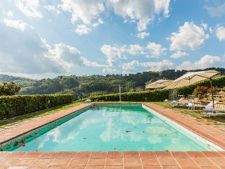 Veneri Villa Sleeps 12 with Pool and WiFi - 5229040