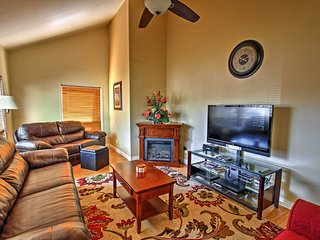 New! 2BR Flagstaff Townhome w/Private Hot Tub